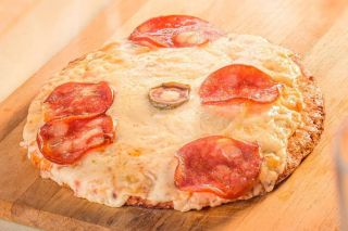 pizza de calabresa low carb