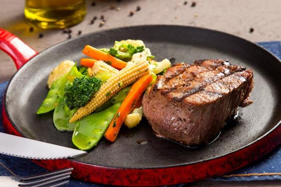 Tornedor de mignon grelhado e legumes à provençal